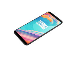 Review: OnePlus 5T. Test unit provided by OnePlus.