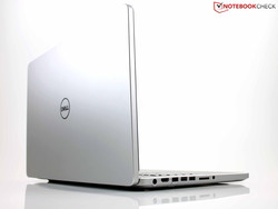 Dell Inspiron 7737: Clean aluminum design